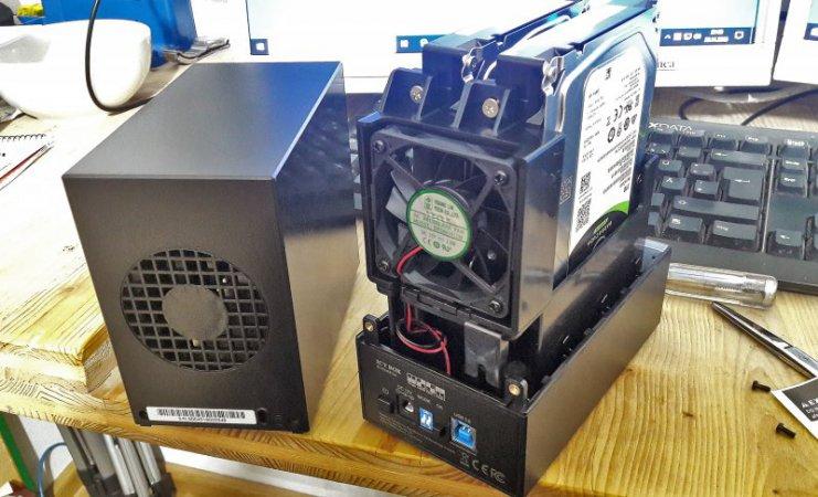 Die neue Icy Box kurz vor der Inbetriebnahme, bestückt mit zwei zwei TB Platten