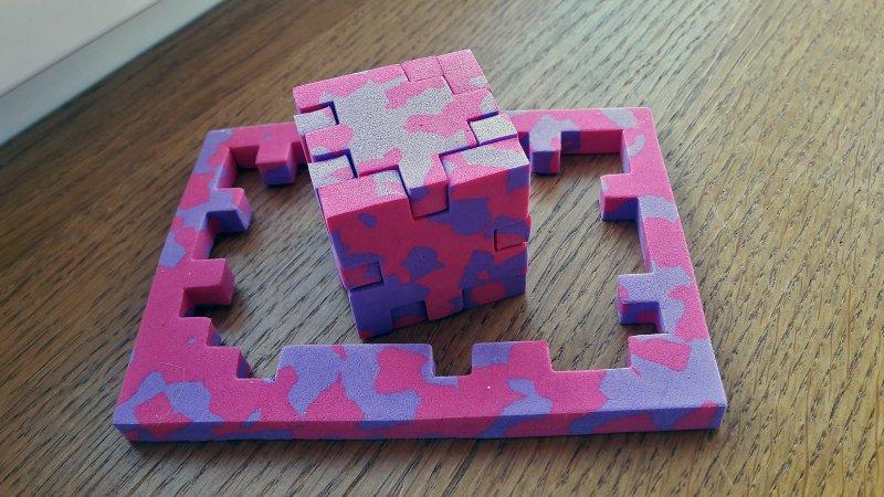 Geschafft: Der Happy Cube Pro, Modell Newton, ist gelöst