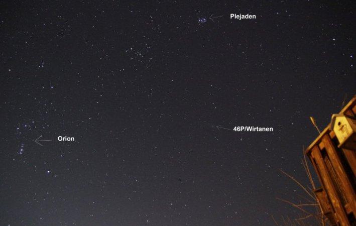 Dieses Übersichtsbild mit Komet 46/P Wirtanen entstand gegen 23 Uhr am 11.12.2018