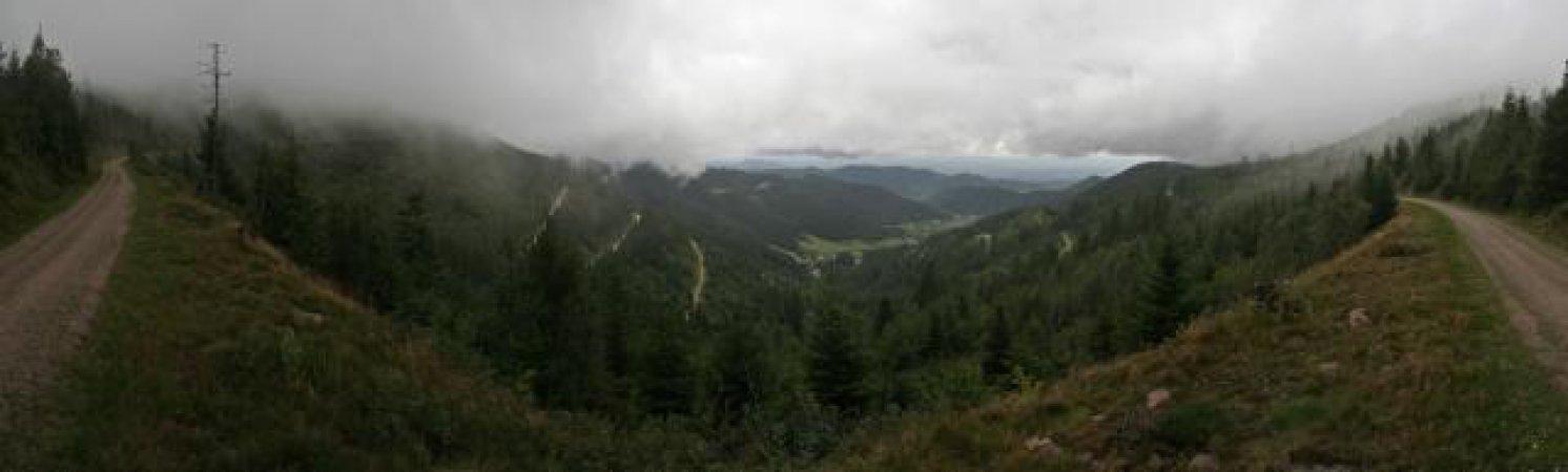 180 Grad Panoramabild der Aussicht bei der Etappe Mummelsee - Alexanderschanze