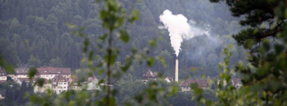 Man sieht sie nicht nur, sondern riecht sie auch, die Pektinfabrik in Neuenbürg