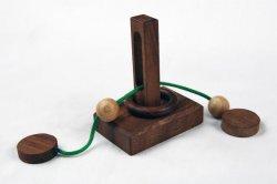 So kann man das Rätsel um den gefangenen Ring lösen. Bei der gekauften Orginalversion sah das noch anders aus.